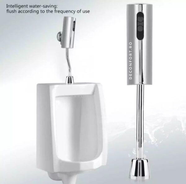 Baterie urinal senzor SenseMate aplicata pe pisoar